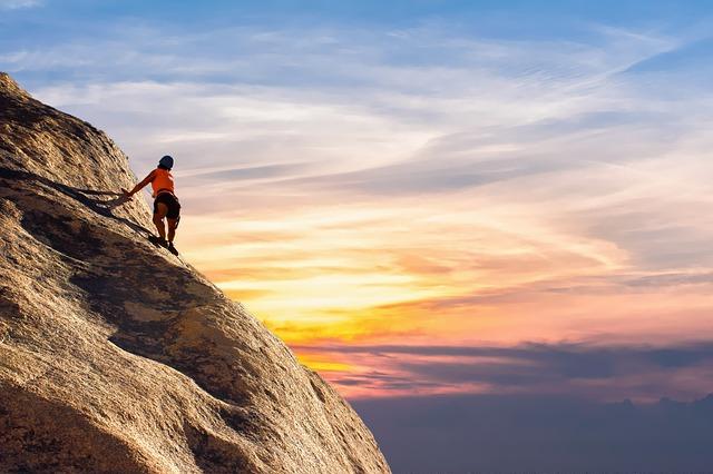 horolezec a obloha